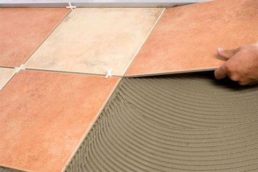 Укладка керамической напольной плитки