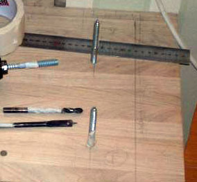 Установка металлических штырей, на которые будет производиться крепление изделий
