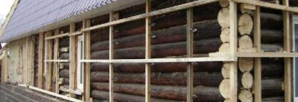 Утепление деревянного дома из бревна снаружи начинается с обрешетки