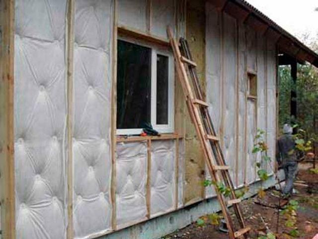 Утепление деревянного дома под обшивку сайдингом