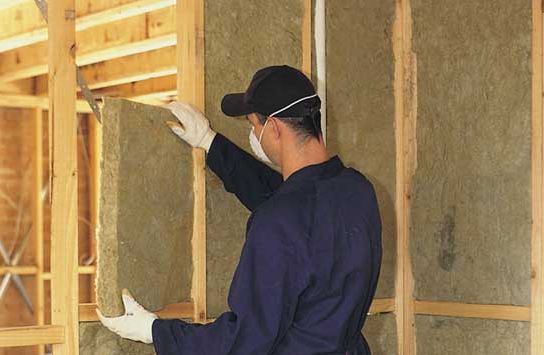 Утепление стен деревянного дома внутри – использование минеральной ваты