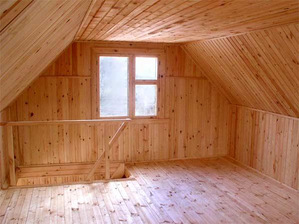 Вагонка из древесины отлично смотрится в помещениях любого типа