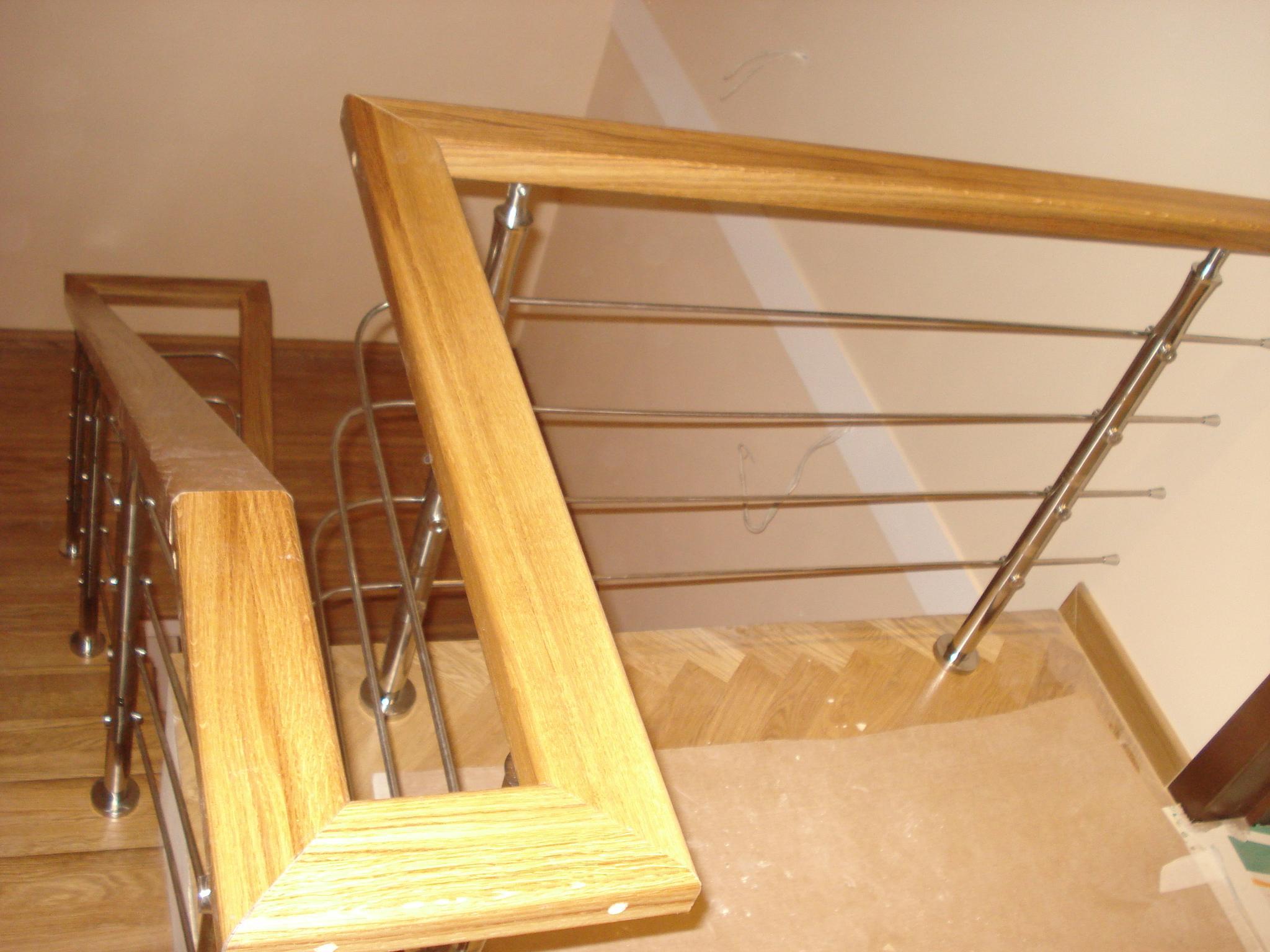 Верх перил является важной частью лестницы.