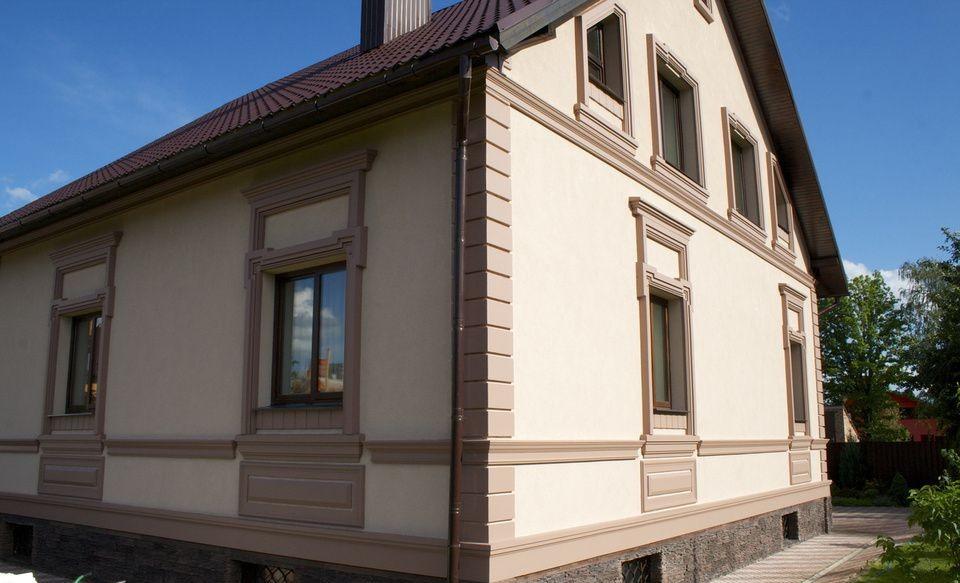 Внешний вид «мокрого» фасада деревянного дома